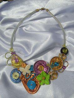 Premier collier multicolore - Le blog berryssime de Colette Lagoutte