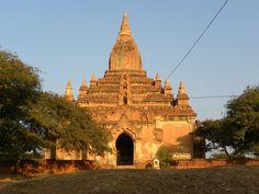 """Lees onze Blog """" fabstyle reizen"""" met een leuk stuk over Birma, en de fabricage van Birmees Lakwerk. www.fabstyle.nl"""