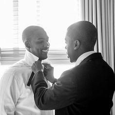 Groom and groomsman getting ready pre-wedding (Meredith Hanafi Photography)