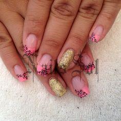 #sculpturenails #nailsaddict #nails #pinknails #uñas #cute #rosa #gold #nailart #animalprint