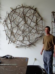 Paul Schick wood art Hanging on the outside wall as a climbing frame for the clematis, li . - Paul Schick wood art Hanging on the outside wall as a climbing frame for the clematis seems to me s - Twig Crafts, Driftwood Crafts, Nature Crafts, Stick Crafts, Twig Art, Deco Nature, Stick Art, Creation Deco, Garden Art