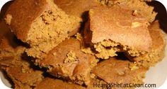 Jamie Eason's Pumpkin Protein Bars #eatclean #cleaneating #jamieeason #heandsheeatclean #proteinbar #protein #recipe