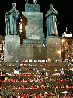 Vaclav Havel remembrance celebrations in Prague. It reminded me of the time when Princess Diana died. Heart Of Europe, My Roots, European Countries, Most Beautiful Cities, My Town, My Heritage, Princess Diana, Czech Republic, Statues