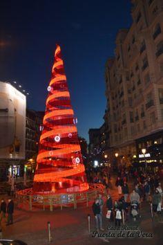 Navidad Madrid, Puerta del Sol,Cortilandia, Plaza Mayor, Navibus 475 Crismas tree