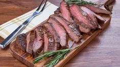 CTV - Mary's Kitchen Crush, Mary In A Minute: Coffee & Molasses Flank Steak I thought you would love to watch this video Mary's Kitchen, Marinated Flank Steak, Olive Oil And Vinegar, Apple Butter, Pork Ribs, Great Recipes, Recipes Dinner, Main Dishes