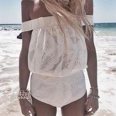 Bnwt beach riot one piece swimsuit Bnwt acacia swimwear Swim