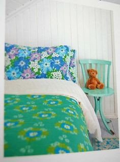 Fresh blue and green retro vintage styled bedroom Decor, Home Bedroom, Bed Linens Luxury, Bedroom Green, Home Decor, Bedroom Inspirations, Floral Bedroom, Vintage Bed, Bedroom Vintage