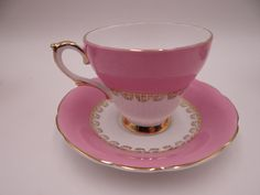 Hey, I found this really awesome Etsy listing at https://www.etsy.com/listing/488156032/sophisticated-pink-english-teacup-1950s