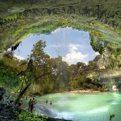 10 Best Swimming Holes in Texas. This pic is of Hamilton Pool in Dripping Springs, TX Puerto Princesa, Best Swimming, Swimming Holes, Palawan, Dream Vacations, Vacation Spots, Family Vacations, Family Travel, Cruise Vacation