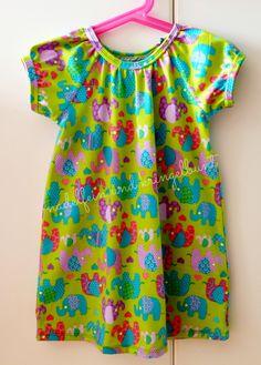 Babykleid Babymädchen Baby Kleid Tunika Fashion Mode Elefant Jersey Speedy girl Ottobre 3/2013 nadelfein und kringelbunt DIY Nähen Sommermode Sommer http://nadelfein.blogspot.de