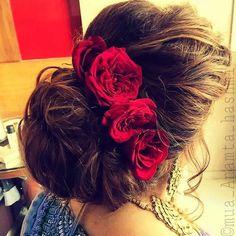 #hairstylesByanamta #sangeetnight💃 #hairstyleoftheday #mua_anamta_hashmi @anamta_hashmi #bride #bridalhair #asianbridalmakeup #hudabeauty…