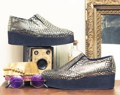 70s FOREVER! http://www.thecoveteur.com/editors-picks-70s-fashion/