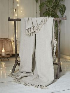 Is there anything cosier than the softest linen throw on a cool evening? Whether indoors on the sofa or out on the deck in the summer, our brand new natural linen throw is hand-finished and beautifully made. Made with the highest quality linen we could fi Luxury Cushions, Luxury Throws, Best Bedding Sets, King Bedding Sets, Luxury Bedding Sets, Nordic Living Room, Sofa Throw, Cool Beds