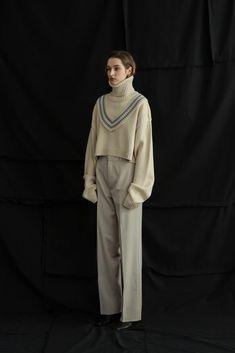 18F/W LOOKBOOK – ul:kin, 얼킨 Minimal Fashion, White Fashion, Look Fashion, Fashion Pants, Fashion Outfits, Womens Fashion, Fashion Design, Fairy Clothes, Knitwear Fashion