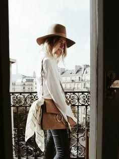 Bohemian outfit   Paris style   Chloe Medium Faye Bag