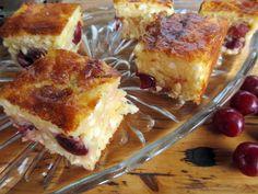 Meggyes-túrós kocka Panna Cotta, French Toast, Cupcake, Breakfast, Food, Breakfast Cafe, Essen, Cupcakes, Muffin