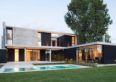 Amado Cattaneo Arquitectos - Casa estilo actual racionalista - PortaldeArquitectos.com