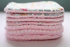 Les lingettes lavables : le geste écolo et économique... A voir sur http://made-in-chez-nous.alittlemarket.com