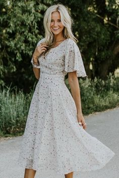 Shop cute and modest dresses and styles for this Spring season including fit & flare, t-shirt, embroidered dresses, maxi, & midi. Modest Dresses, Pretty Dresses, Casual Dresses, Floral Dresses, Plus Size Dresses, Modest Church Outfits, Modest Summer Outfits, Modest Wear, Church Dresses