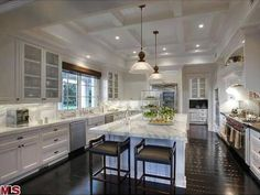 Coffered Ceiling Kitchen - Traditional - kitchen - Tiek Built Homes Beautiful Kitchens, Cool Kitchens, Luxury Kitchens, White Kitchens, Dream Kitchens, Kitchen Dining, Kitchen Decor, Kitchen Ideas, Kitchen Island