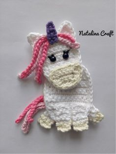 Free Crochet Pattern: Appliques Horse and Unicorn / Patron gratuit Find here a free crochet pattern for a cute crochet horse applique. It is very easy and fast to do and is perfect to decorate crochet blankets! Crochet Puff Flower, Cute Crochet, Crochet Crafts, Crochet Flowers, Crochet Projects, Craft Projects, Project Ideas, Craft Ideas, Diy Crafts
