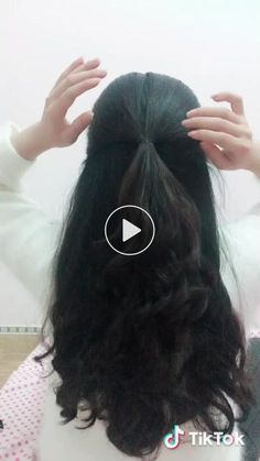Hair extensions are ending up being a significantly popular method of quickly getting that long beautiful hair a few of us can only dream of! Indian Wedding Hairstyles, Easy Hairstyles For Long Hair, Fast Hairstyles, Ponytail Hairstyles Tutorial, Everyday Hairstyles, Girl Hairstyles, Braided Ponytail Hairstyles, Ponytail Styles, Hair Ponytail