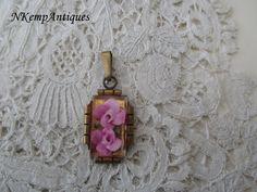 Vintage lucite pendant by Nkempantiques on Etsy