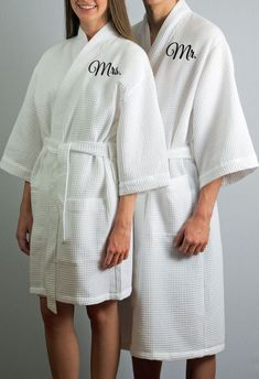 Set of 2 Robes Mr and Mrs Robes Anniversary Gift Wedding Gift Cotton Anniversary Anniversary Gift Honeymoon Robes Couples Spa Robes 2nd Anniversary Cotton, 1st Anniversary Gifts, Wedding Anniversary, Monogram Shop, Monogram Wedding, Couples Spa, Mr Mrs, Peignoir, Bridal Party Robes