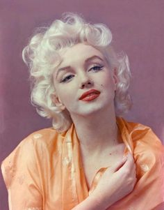 Marilyn. Photo by Milton Greene's assistant Hal Berg, 1955.