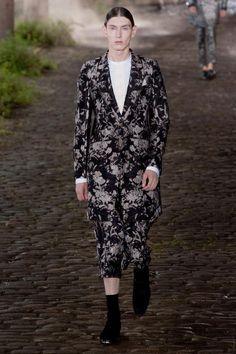 Alexander McQueen Spring 2014 Menswear
