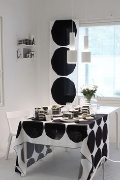 Kotini on helmeni Black White Rooms, Black And White Interior, Marimekko, Cozy House, Home Collections, Home And Living, Home Kitchens, Living Room Furniture, Luxury Homes