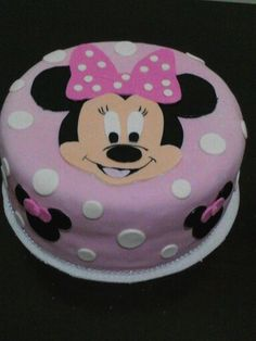 Cake minnie mousse Mousse, Cake, Desserts, Food, Gum Paste, Modeling, Jelly Beans, Tailgate Desserts, Deserts