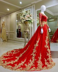 2019 Red Gold Wedding Dresses Bridal Gowns Long Sleeves Lace Sweep Train A Line Gold Wedding Gowns, Pakistani Bridal Dresses, Wedding Dress Train, Wedding Dress Chiffon, Pakistani Wedding Dresses, Bridal Lehenga, Lace Wedding, Bridal Lace, Bridal Gowns