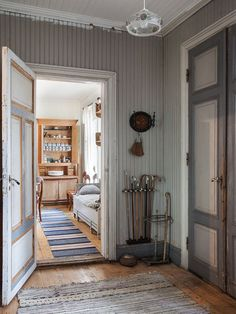 Made In Persbo: The house on the island Swedish Cottage, Swedish House, Cottage Style, Scandinavian Furniture, Scandinavian Living, Scandinavian Design, Halls, La Pedrera, Interiores Design
