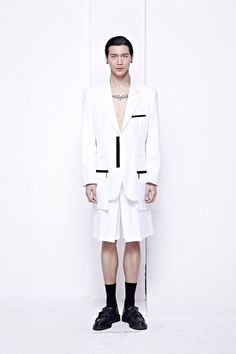 Ready for the new season with a minimal but bold collection, german label PATH enlists chinese new face Liu Yang for their Spring/Summer 2014 lookbook.The SS14 collection, a creation by female designer Janine Grosche, is a hybrid between... »
