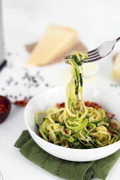 Cacio e Pepe Zucchini Noodles | Inspiralized | Low FODMAP Recipes