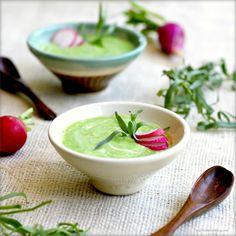 malinowy chłodnik: Zupa z zielonego groszku z rzodkiewkami