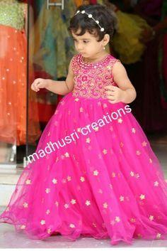 Kids Party Wear Dresses, Kids Dress Wear, Kids Gown, Little Girl Dresses, Baby Dress, The Dress, Long Frocks For Kids, Frocks For Girls, Girls Frock Design