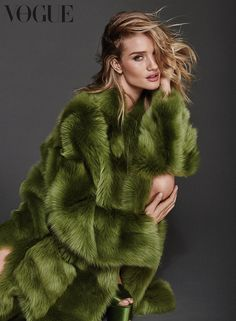 Rosie Huntington-Whiteley | Vogue Alemanha Agosto 2016 | Editoriais - Revistas de Moda
