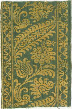 Italian Textile fragment, ca. 1700, Silk and linen damask weave, Length: 42.2 cm, Rhode Island School of Design Museum
