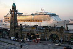 270px-Freedom-of-the-Seas--in-Hamburg.jpg (270×180)