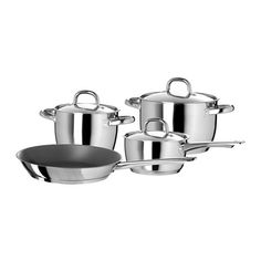 IKEA OUMBÄRLIG cookware set Thick base with one layer of aluminium between two layers of stainless steel. Gives an even and energy-efficient heat, which reduces the risk of food burning and sticking. Cast Iron Pot, Cast Iron Cookware, Pots And Pans Sets, Induction Cookware, Woks, Pan Set, Fun Cooking, Aluminium, Kitchen Accessories