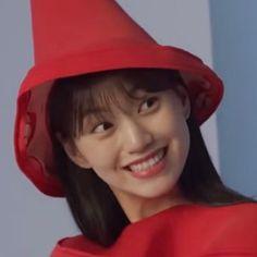 Kim Doyeon, Glam Makeup Look, Cartoon Jokes, Kdrama Actors, Bad Girl Aesthetic, Pretty Baby, Blackpink Lisa, Meme Faces, Cute Icons