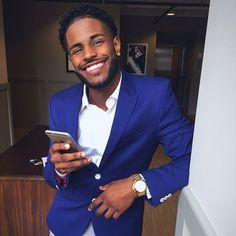 black men with braces Fine Black Men, Gorgeous Black Men, Cute Black Guys, Just Beautiful Men, Handsome Black Men, Black Boys, Fine Men, Cute Guys, Dark Skin Boys
