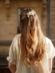Grace – Scrunchie is backYou can find Redhead hairstyles and more on our website.Grace – Scrunchie is back Redhead Hairstyles, Up Hairstyles, Pretty Hairstyles, Korean Hairstyles, Japanese Hairstyles, Everyday Hairstyles, Straight Hairstyles, Medium Hair Styles, Curly Hair Styles