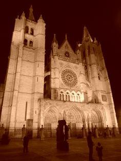 La Catedral desde la calle  Sierra Pambley.