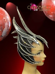 Charismatico is your complete source for costume backpacks, headdresses, cabaret wings, and cabaret belts. Ann Margret Photos, Foam Wigs, Black Fairy, Fairy Clothes, Cosplay Tutorial, Feather Necklaces, Carnival Costumes, Bottle Art, Doll Clothes Patterns