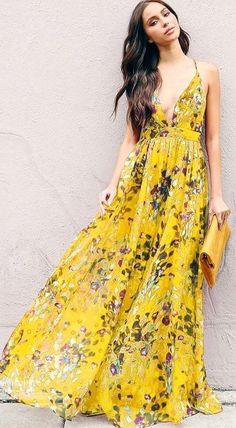 9fd10ded03 A Gorgeous Devandra Floral Dress ⭐ Must-have item for a wardrobe update.  Elegant Women Fashion Outfit Idea featuring Boho Chic Fashion Style  Inspiration to ...