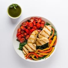 Salada proteica é ideal para um almoço fit