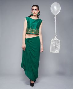 draped, crop top , emerald green, silk tie waist skirt, friend of the bride, sister of the bride, pool party outfit